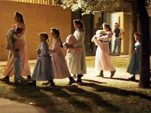 Texas raid removes girls from FLDS compound